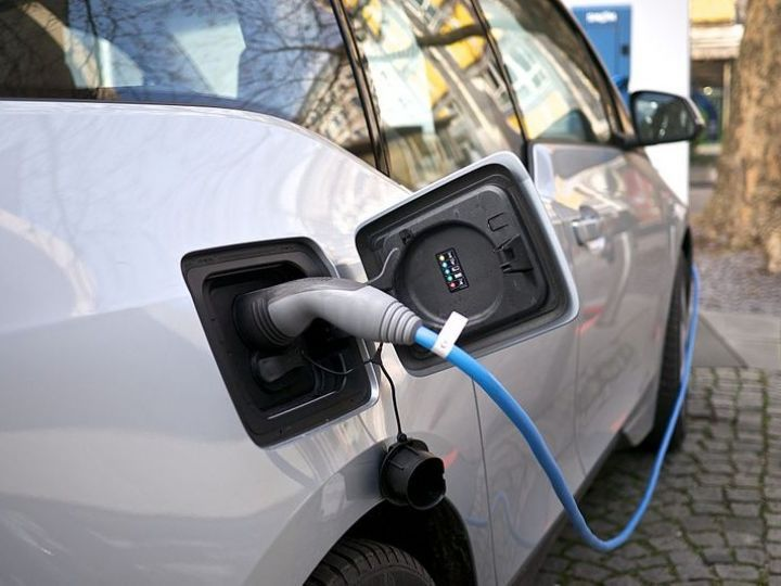 Convert Your cars into Electric vehicles With This Technology